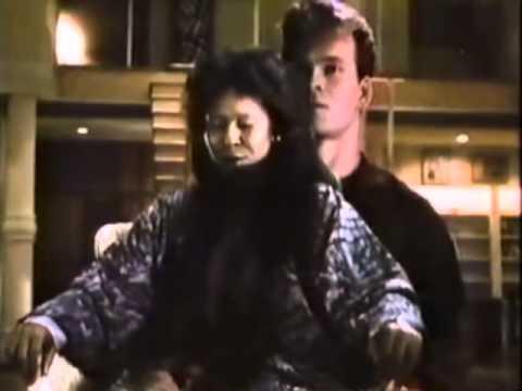 名作『ゴースト〜NYの幻』より デミ・ムーアに触れるため、体を借りる